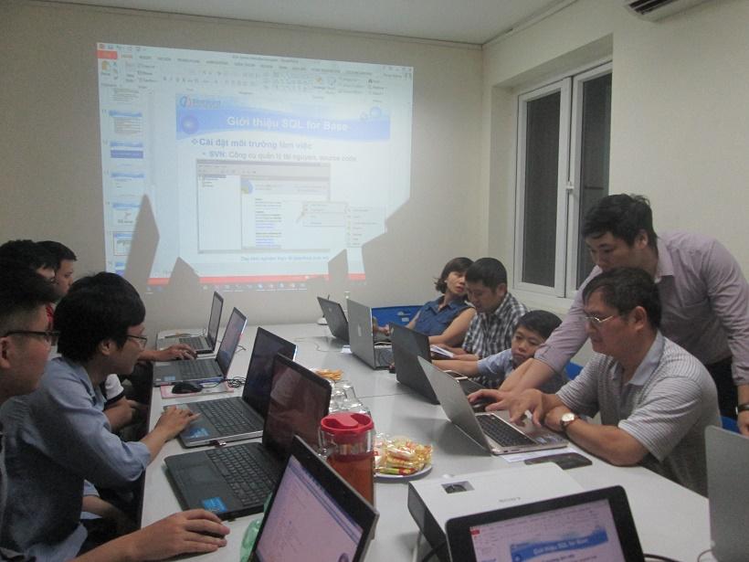 Khóa Học cơ sở dữ liệu SQL Server tại Stanford