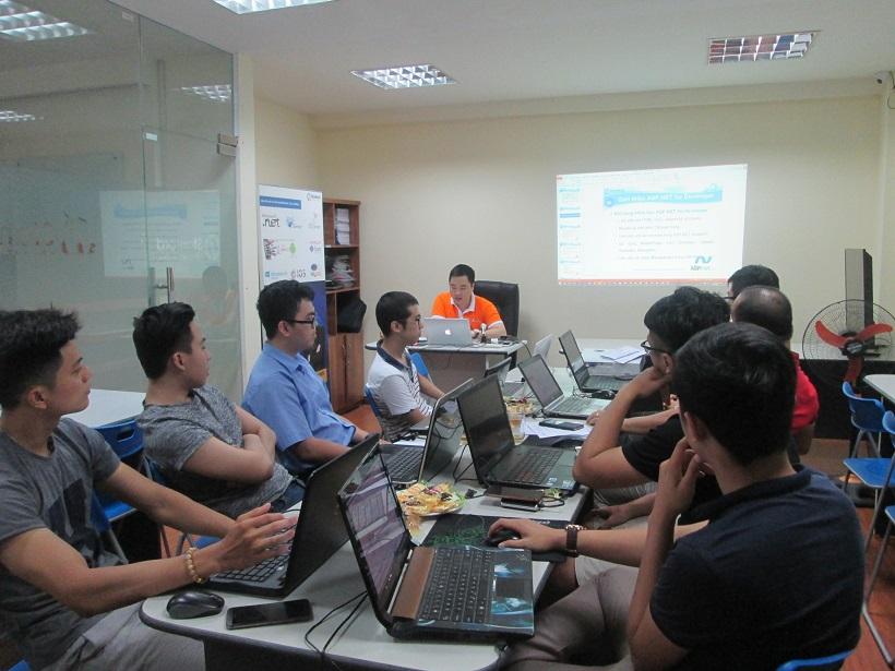 Khóa Học lập trình asp.net mvc tại Stanford