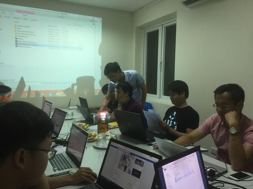 Học lập trình C cho người mới tại Stanford