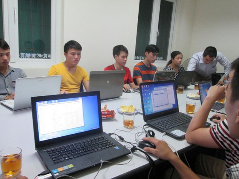 Hình ảnh buổi học lập trình viên quốc tế tại Stanford